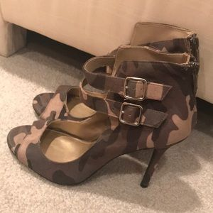 Christian siriano for Payless army sandal boots